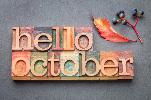 Tháng 10 trong tiếng Anh